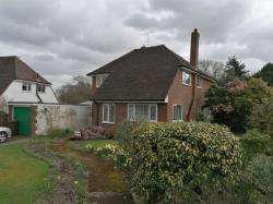 Detached House To Let   Kent TN30