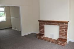 Terraced House To Let Corporation Road Grimsby Lincolnshire DN31