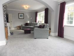 Detached House To Let Humberston Grimsby Lincolnshire DN36