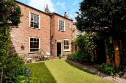 Terraced House For Sale Bond End Knaresborough North Yorkshire HG5