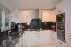 Flat To Let 94 Southill Avenue Harrow Middlesex HA1
