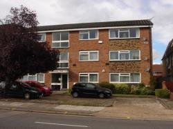 Flat To Let Gainsborough Court Harrow Middlesex HA3