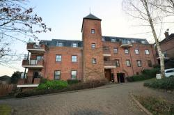 Flat To Let Roxborough Park Harrow On The Hill Middlesex HA1