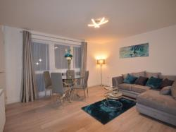 Flat To Let Clarendon Gardens Wembley Middlesex HA9