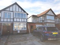 Detached House To Let  Wembley Middlesex HA9