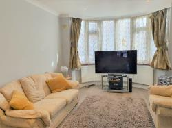 Semi Detached House To Let  Edgware Middlesex HA8
