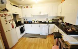 Flat For Sale Varcoe Gardens Hayes Middlesex UB3
