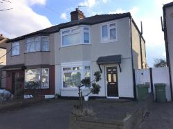 Semi Detached House To Let  Hornchurch Essex RM12