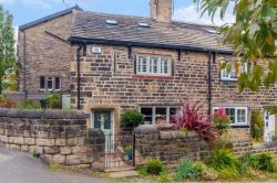 Semi Detached House For Sale The Wicket Calverley West Yorkshire LS28