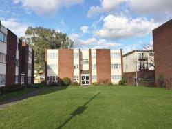 Flat For Sale  Cranford Middlesex TW5