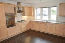 Detached House To Let Lightcliffe Halifax West Yorkshire HX3