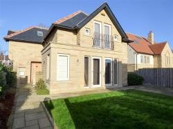 Detached House To Let  Huddersfield West Yorkshire HD2