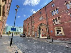 Flat For Sale  Leeds West Yorkshire LS2