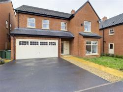 Detached House For Sale  Whetstone Leicestershire LE8
