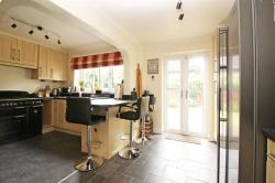 Detached House For Sale  Lovent Drive Bedfordshire LU7