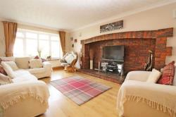 Detached House For Sale  Mowbray Drive Bedfordshire LU7