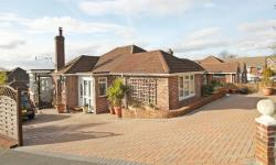 Detached Bungalow For Sale  Southampton Hampshire SO19
