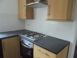 Flat To Let  High Street Bridgend CF32