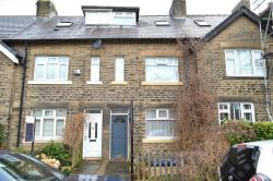 Terraced House To Let Uppermill Oldham Greater Manchester OL3