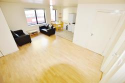 Flat To Let  London Greater London E13