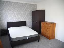 Terraced House To Let  London Greater London E16