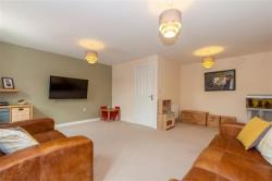 Semi Detached House To Let Edward Close Pudsey West Yorkshire LS28