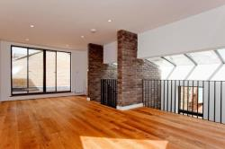 Terraced House To Let  Voss Street Greater London E2