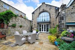 Terraced House For Sale  Weavers Court North Yorkshire BD23