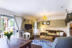 Detached House To Let  Romsey Hampshire SO51