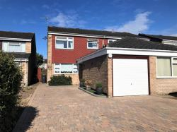 Semi Detached House To Let  Hoddesdon Hertfordshire EN11