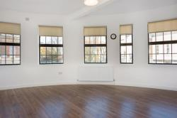 Flat To Let Albion Road London Greater London N16
