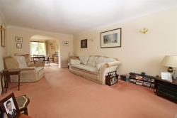 Detached House For Sale  Nursery Gardens Hertfordshire HP23