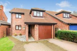 Detached House For Sale  Pitstone Bedfordshire LU7