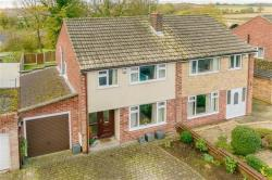 Semi Detached House For Sale Heatherdene Tadcaster North Yorkshire LS24
