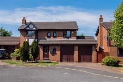 Detached House To Let  Manchester Greater Manchester M28