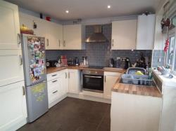 Semi Detached House To Let Yeadon Leeds West Yorkshire LS19