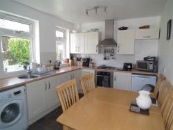 Terraced House To Let Yeadon Leeds West Yorkshire LS19