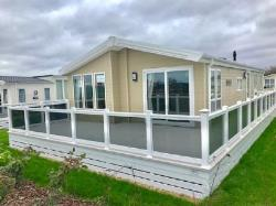 Mobile Home For Sale  New Milton Hampshire BH25