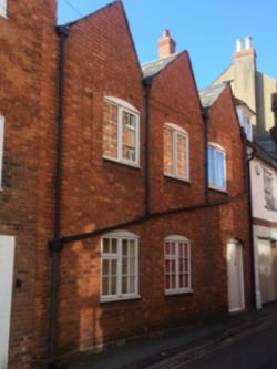Flat To Let   Buckinghamshire MK16