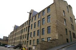 Flat To Let Road Bradford West Yorkshire BD1