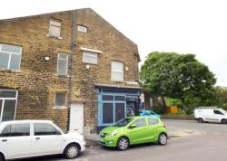 Flat To Let Road Bradford West Yorkshire BD2