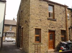 Terraced House To Let Parade Cleckheaton West Yorkshire BD19