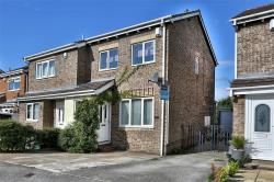 Semi Detached House For Sale Close Dewsbury West Yorkshire WF12