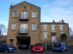 Flat To Let Road Batley West Yorkshire WF17
