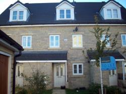 Terraced House To Let View Huddersfield West Yorkshire HD1