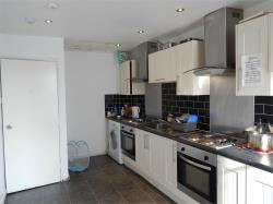 Flat To Let Centre Huddersfield West Yorkshire HD1