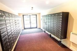Flat To Let House Manchester West Yorkshire HD1