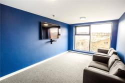 Flat To Let Off Manchester West Yorkshire HD1