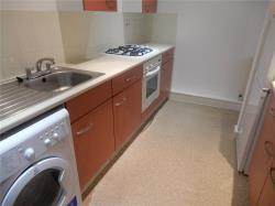 Flat To Let Road Huddersfield West Yorkshire HD1