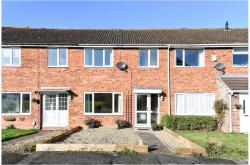 Terraced House For Sale  Aylesbury Hertfordshire HP2
